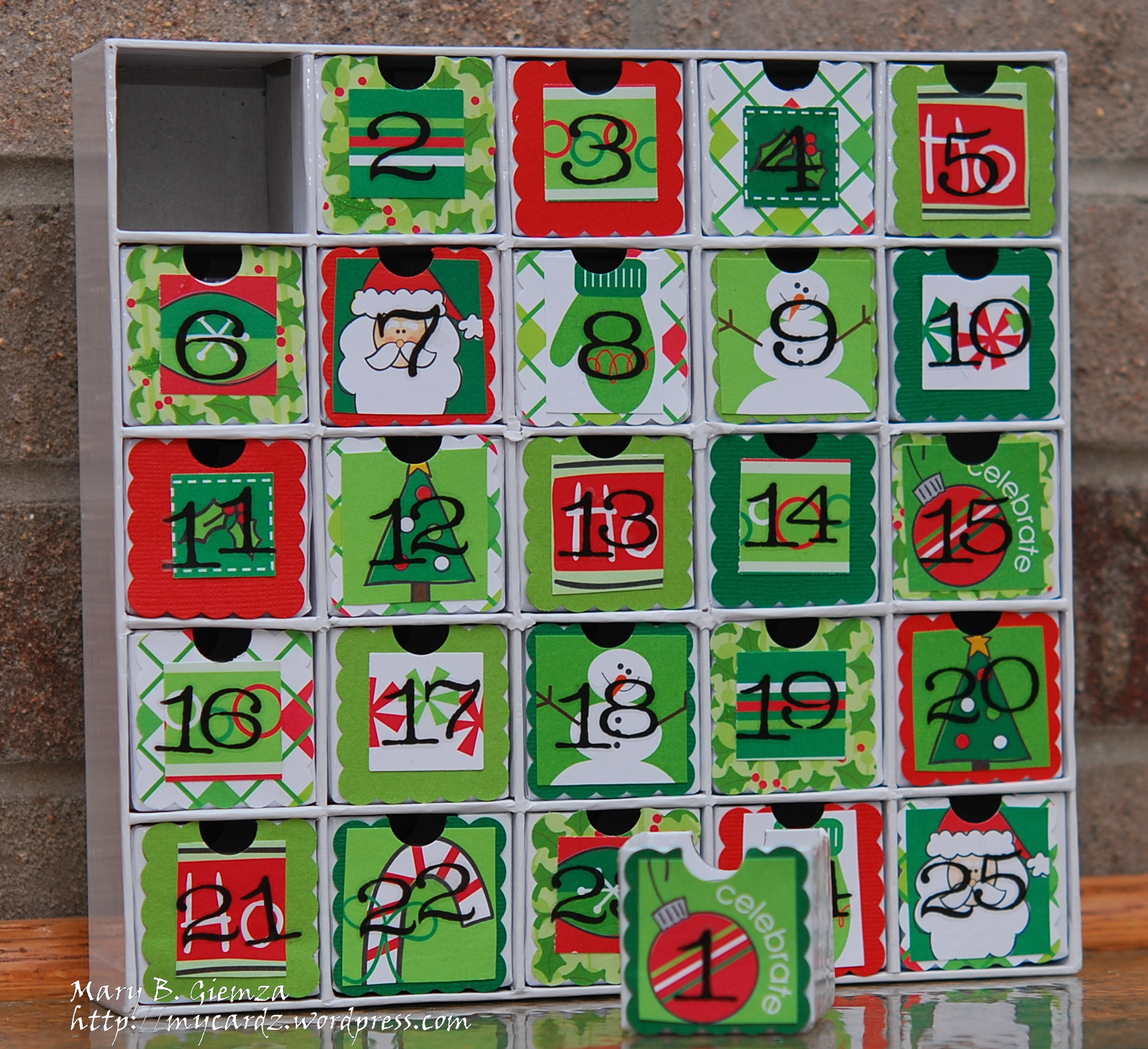 Time for a christmas countdown my cardz my passion for Make your own christmas countdown calendar